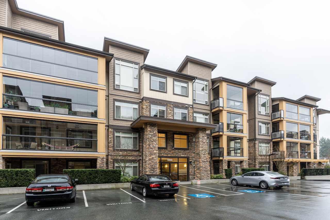 """Main Photo: 209 12655 190A Street in Pitt Meadows: Mid Meadows Condo for sale in """"Cedar Downs"""" : MLS®# R2464848"""