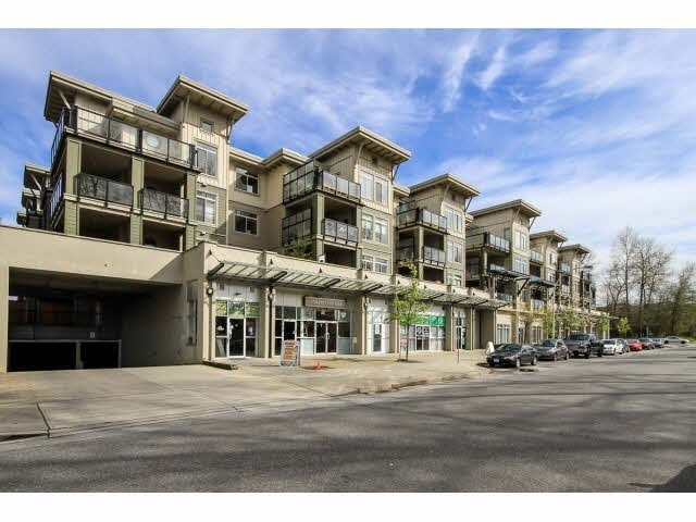 "Main Photo: 105 10180 153 Street in Surrey: Guildford Condo for sale in ""CHARLTON PARK"" (North Surrey)  : MLS®# R2484835"
