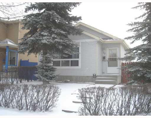 Main Photo: 95 ERIN WOODS Boulevard SE in CALGARY: Erinwoods Residential Detached Single Family for sale (Calgary)  : MLS®# C3303361