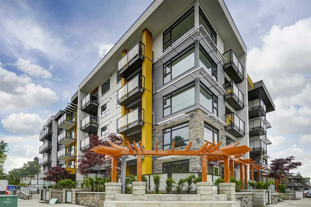 "Main Photo: 304 1519 CROWN Street in North Vancouver: Lynnmour Condo for sale in ""Crown & Mountain"" : MLS®# R2482130"