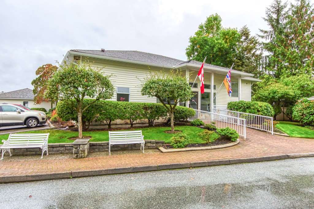 "Main Photo: 111 7156 121 Street in Surrey: West Newton Townhouse for sale in ""GLENWOOD VILLAGE"" : MLS®# R2505094"