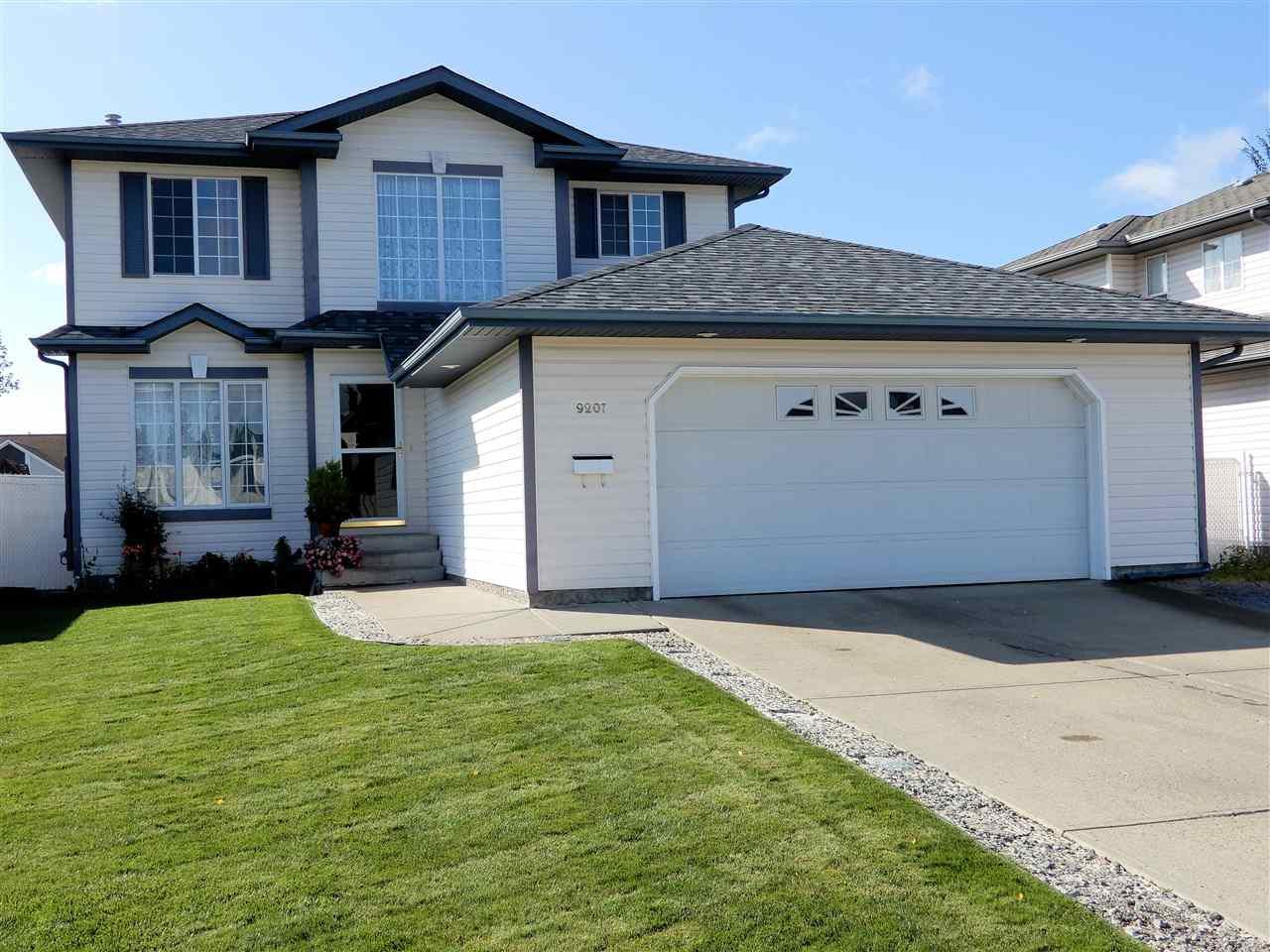 Main Photo: 9207 97 Avenue: Morinville House for sale : MLS®# E4172202
