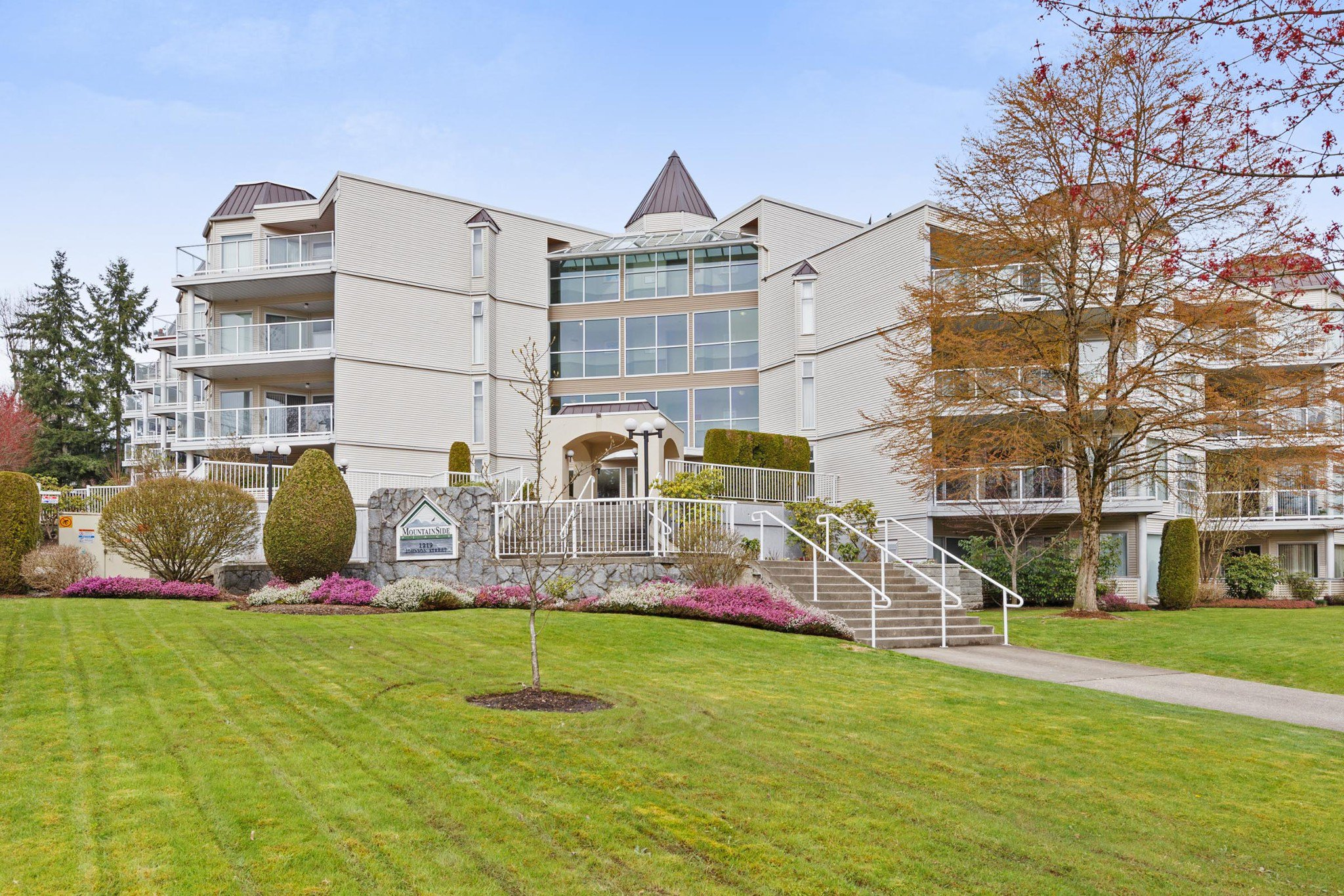 """Main Photo: 201 1219 JOHNSON Street in Coquitlam: Canyon Springs Condo for sale in """"MOUNTAINSIDE PLACE"""" : MLS®# R2419625"""
