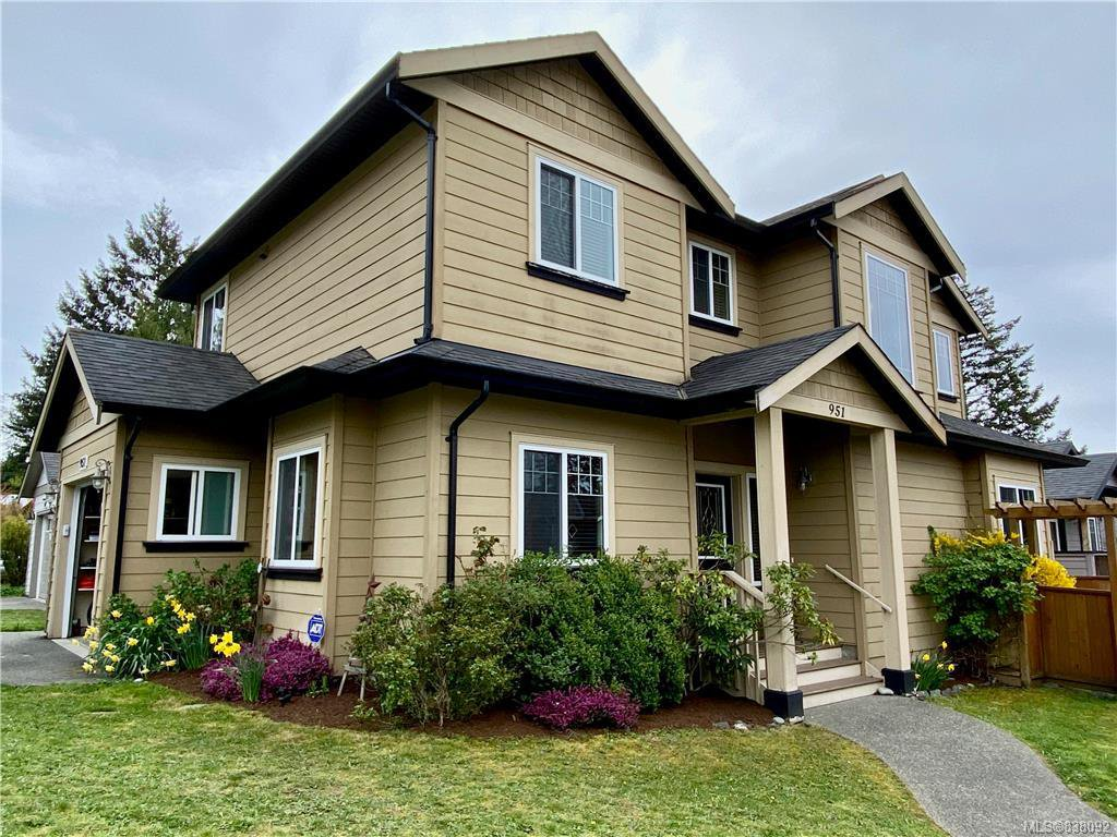 Main Photo: 951 Thrush Pl in Langford: La Happy Valley House for sale : MLS®# 838092