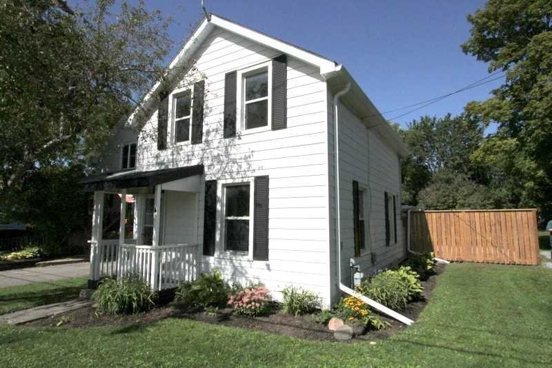 Main Photo: 304 Bay Street in Brock: Beaverton House (1 1/2 Storey) for sale : MLS®# N4914458