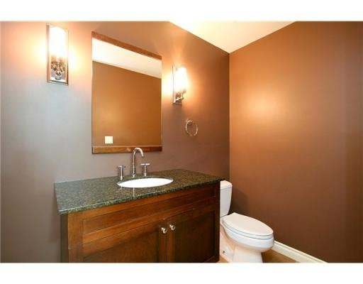 Photo 5: Photos: # 104 293 SMITHE ST in Vancouver: Condo for sale : MLS®# V874171