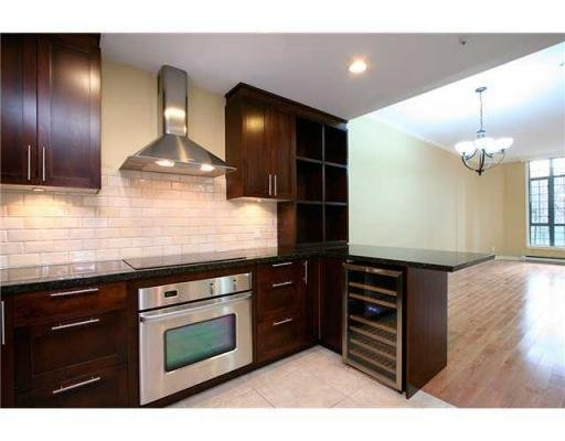 Photo 2: Photos: # 104 293 SMITHE ST in Vancouver: Condo for sale : MLS®# V874171