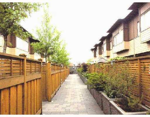 Photo 2: Photos: # 7 2389 CHARLES ST in Vancouver: Condo for sale : MLS®# V710163