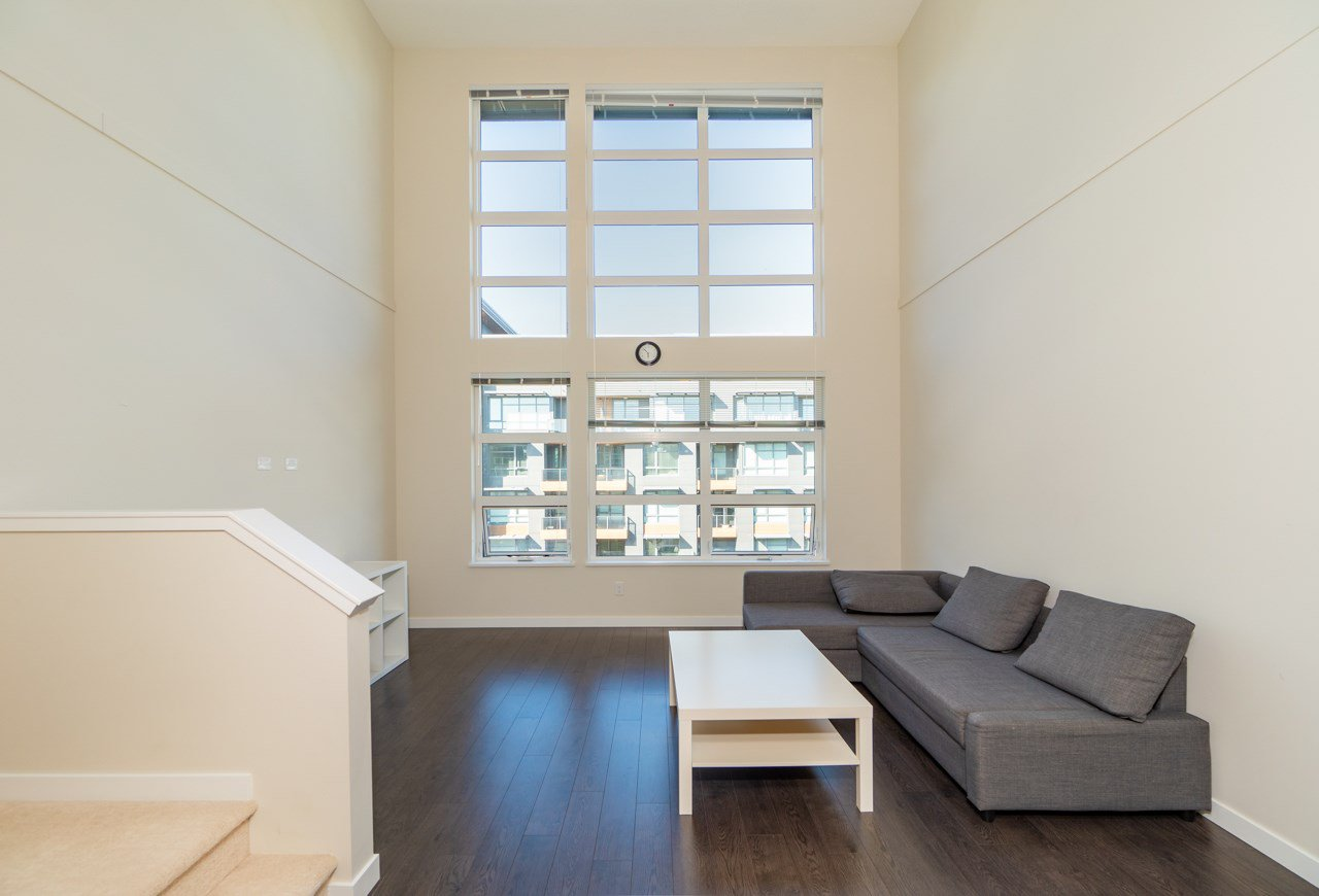 Photo 5: Photos: 515 9168 SLOPES MEWS in Burnaby: Simon Fraser Univer. Condo for sale (Burnaby North)  : MLS®# R2402599