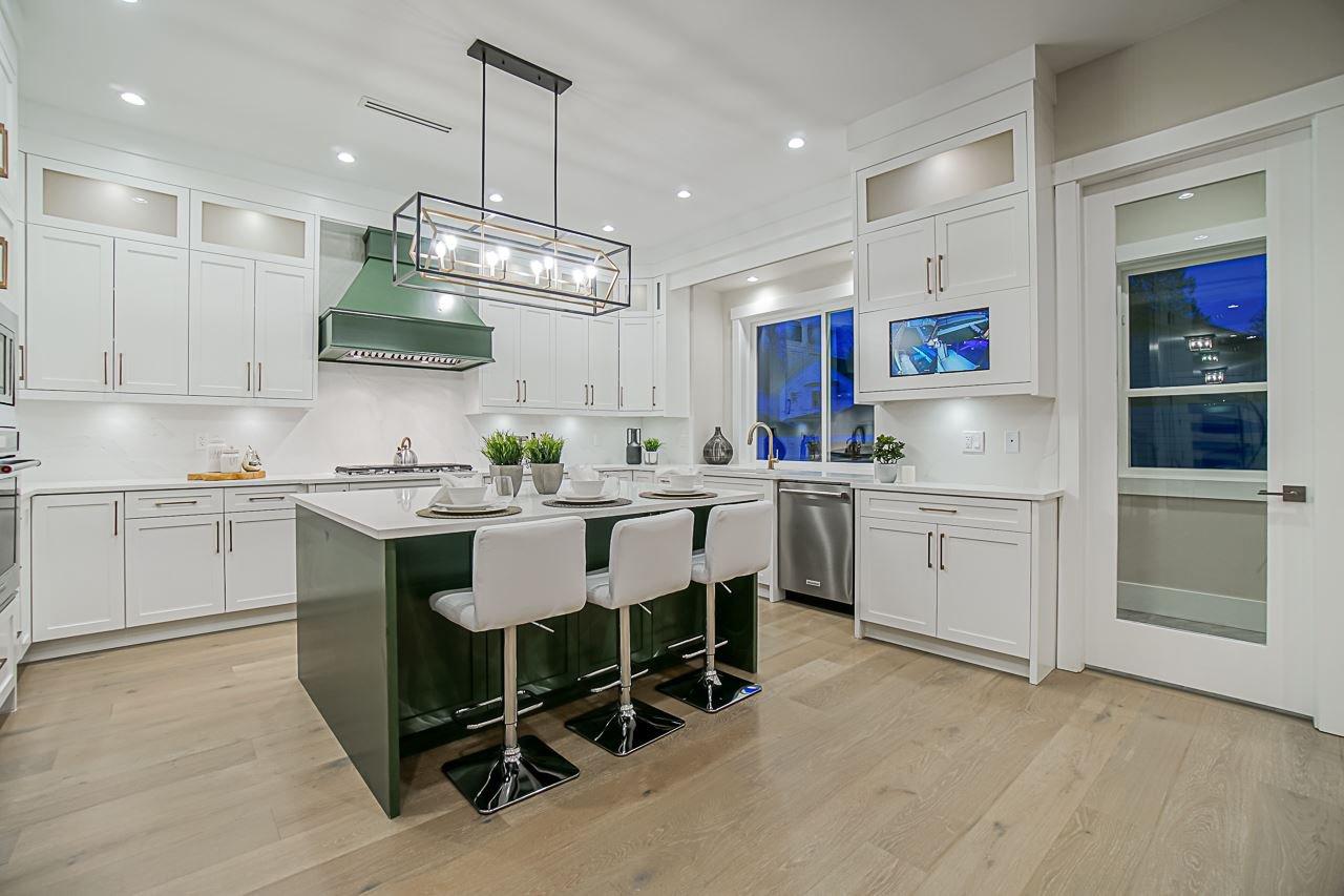 Photo 9: Photos: 17183 0A Avenue in Surrey: Pacific Douglas House for sale (South Surrey White Rock)  : MLS®# R2439080