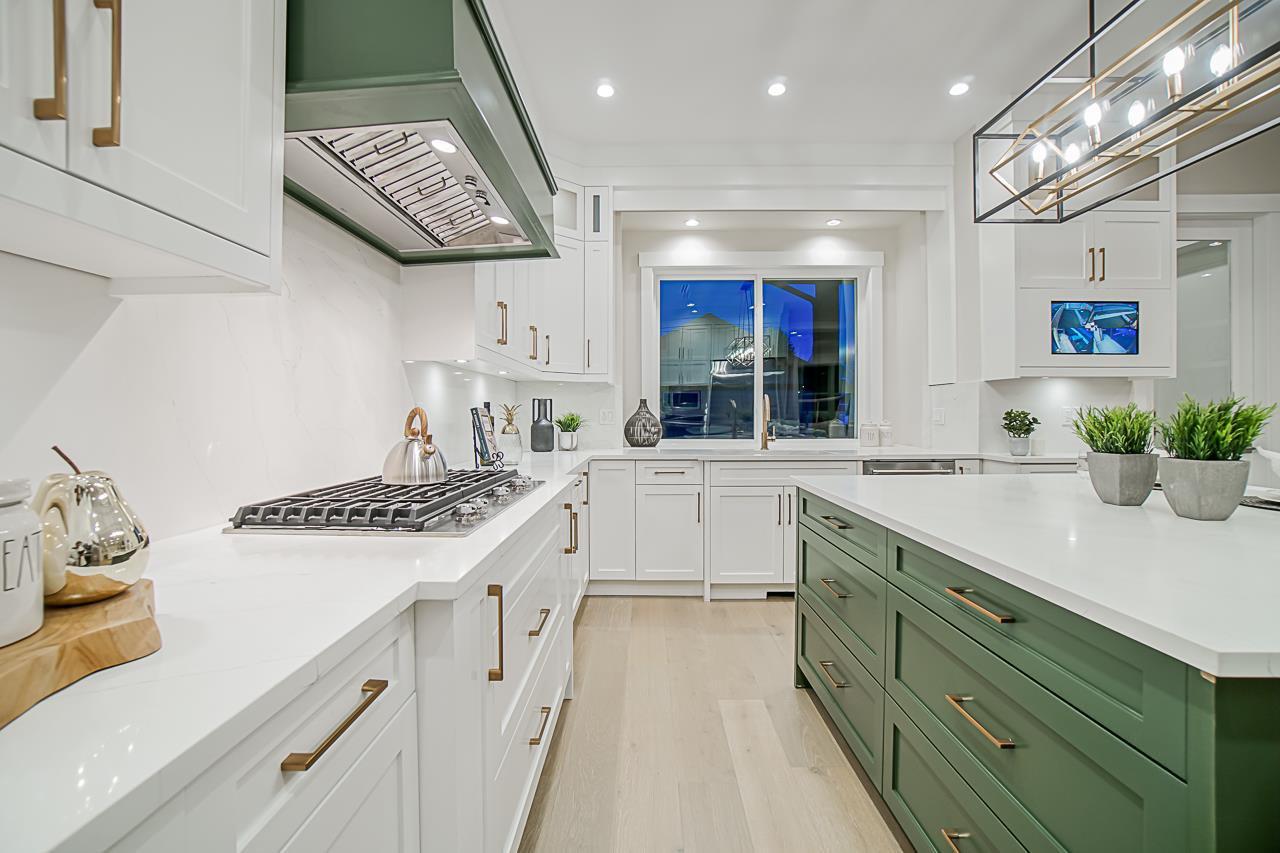 Photo 10: Photos: 17183 0A Avenue in Surrey: Pacific Douglas House for sale (South Surrey White Rock)  : MLS®# R2439080