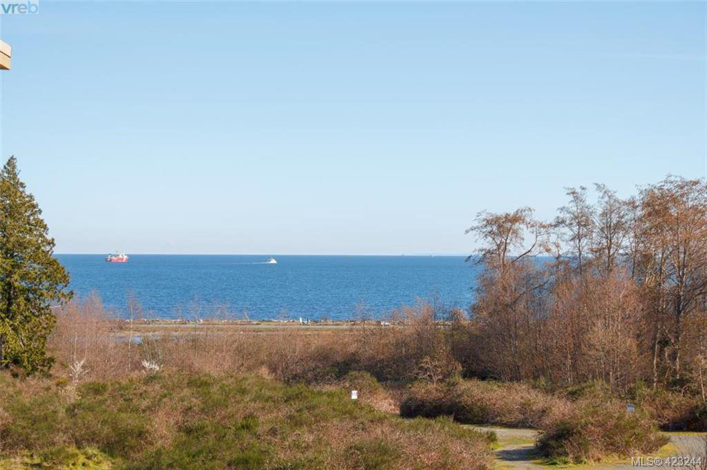 Main Photo: 404 3223 Selleck Way in VICTORIA: Co Lagoon Condo Apartment for sale (Colwood)  : MLS®# 835790