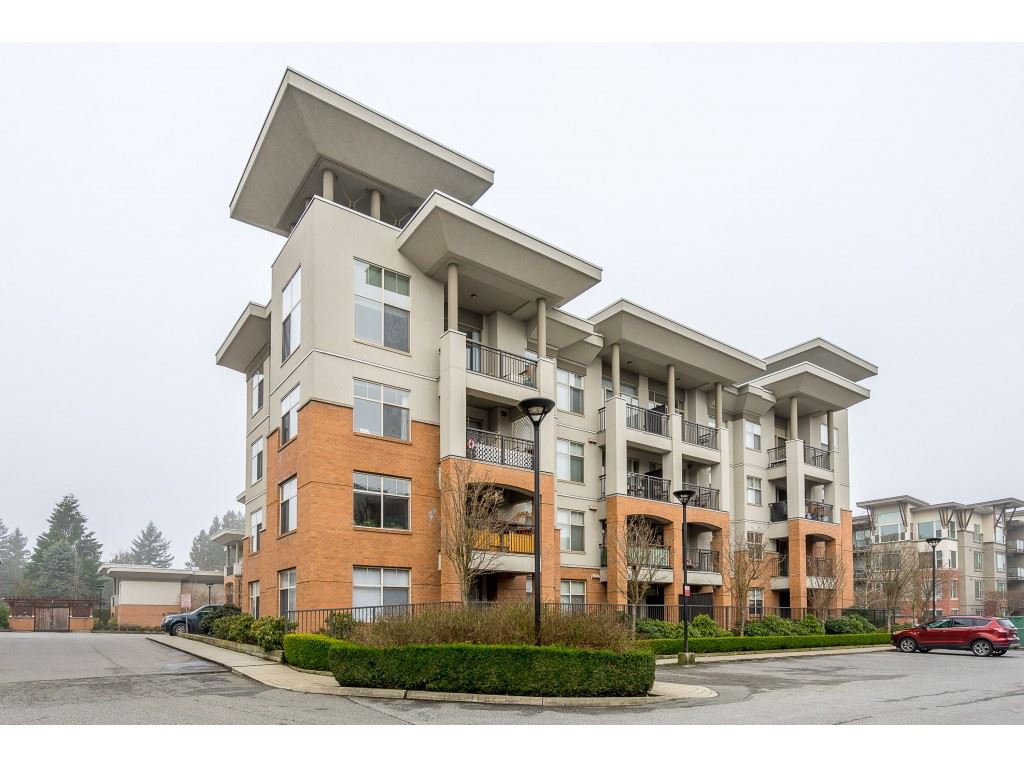 Main Photo: 207 33546 HOLLAND AVENUE in : Central Abbotsford Condo for sale : MLS®# R2439576