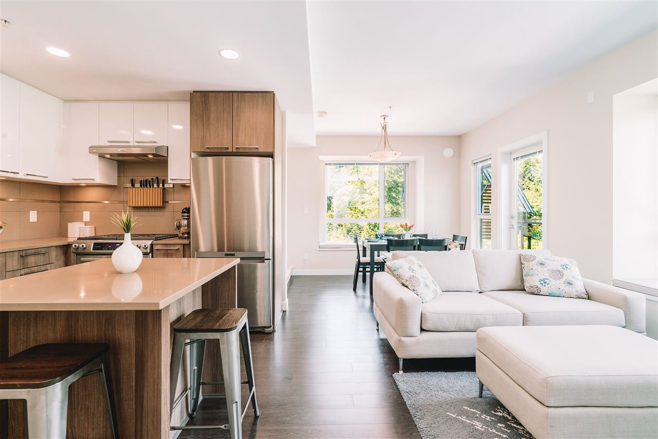 """Main Photo: 410 9350 UNIVERSITY HIGH Street in Burnaby: Simon Fraser Univer. Townhouse for sale in """"Lift"""" (Burnaby North)  : MLS®# R2468337"""