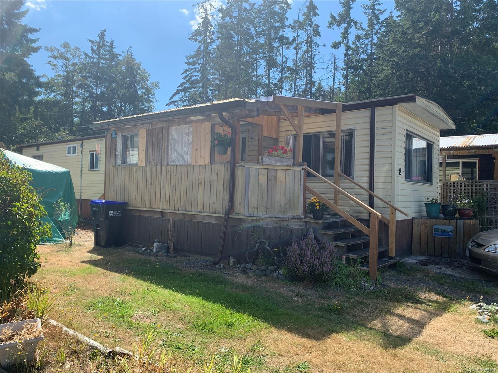 Main Photo: 2 882 Wembley Rd in : PQ Parksville Manufactured Home for sale (Parksville/Qualicum)  : MLS®# 852167