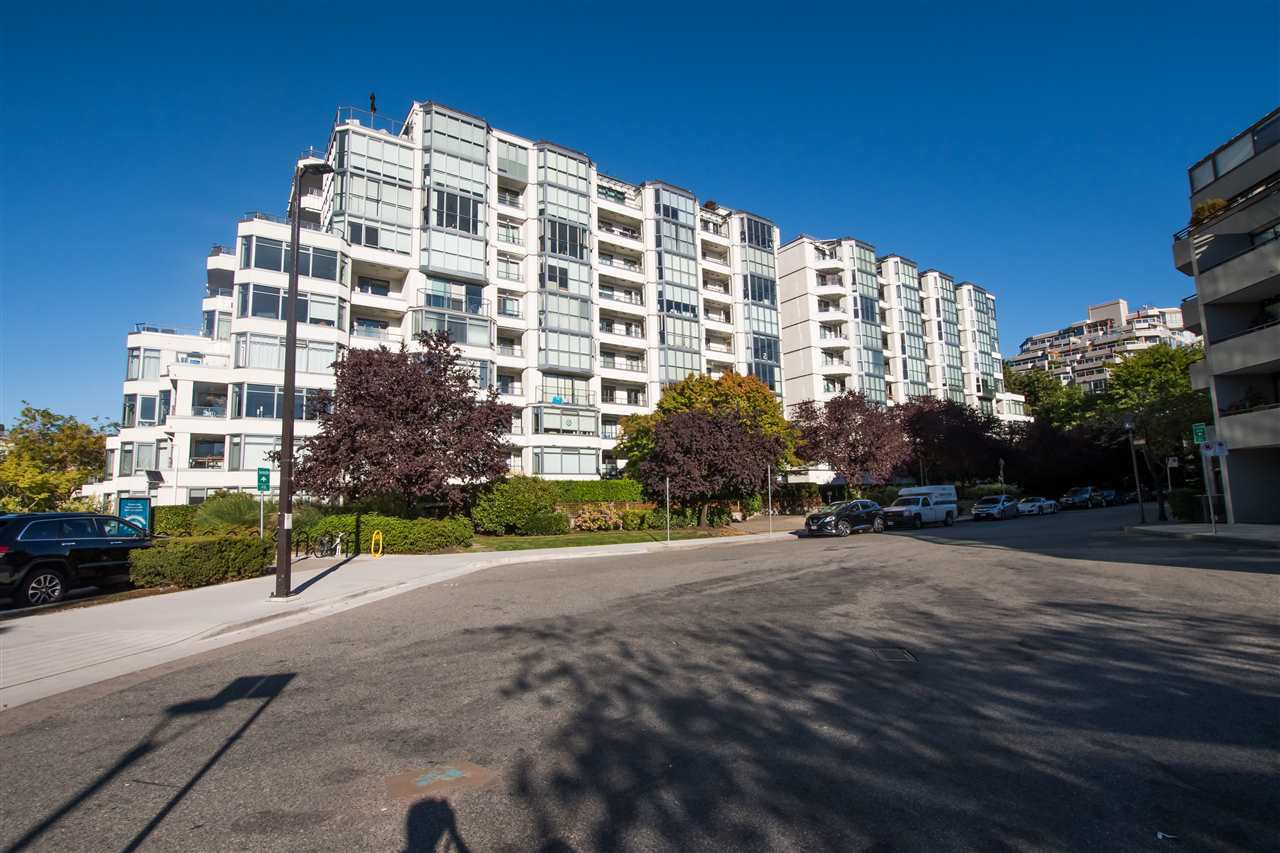 "Main Photo: 407 456 MOBERLY Road in Vancouver: False Creek Condo for sale in ""PACIFIC COVE"" (Vancouver West)  : MLS®# R2497595"