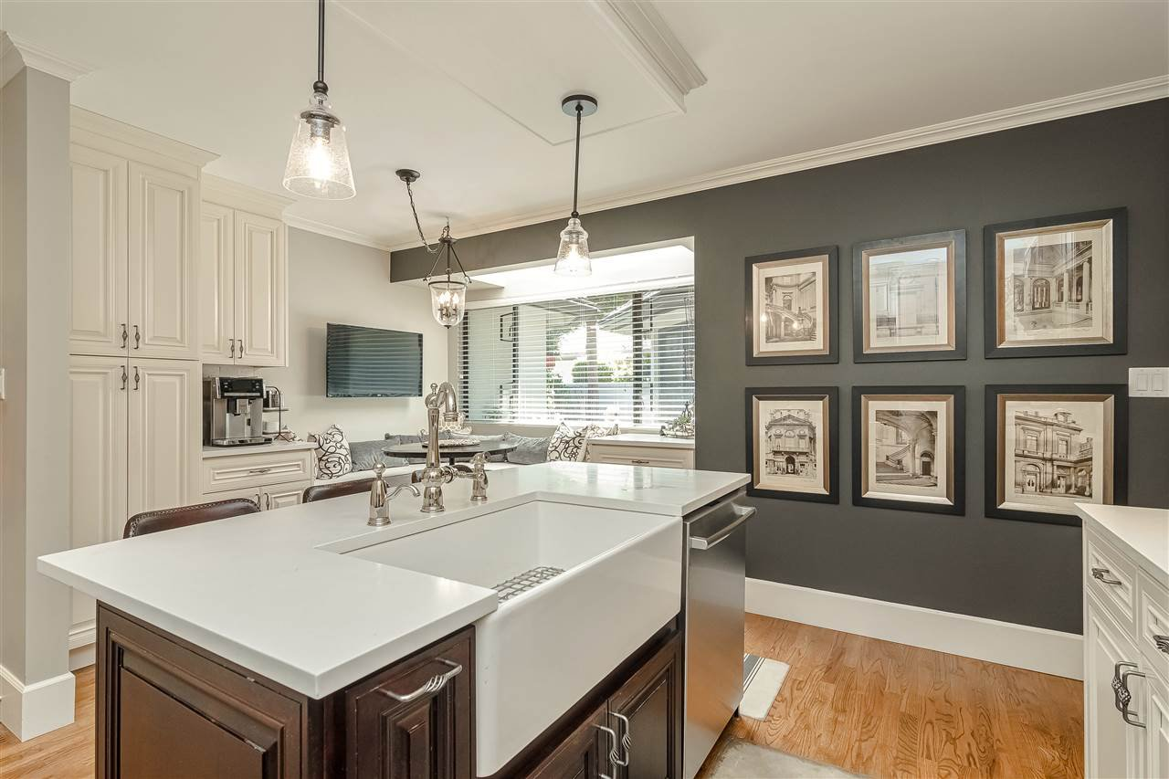 """Main Photo: 117 1770 128 Street in Surrey: Crescent Bch Ocean Pk. Townhouse for sale in """"PALISADES"""" (South Surrey White Rock)  : MLS®# R2498670"""
