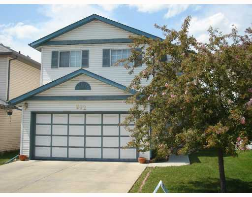 Main Photo: 922 APPLEWOOD Drive SE in CALGARY: Applewood Residential Detached Single Family for sale (Calgary)  : MLS®# C3316172