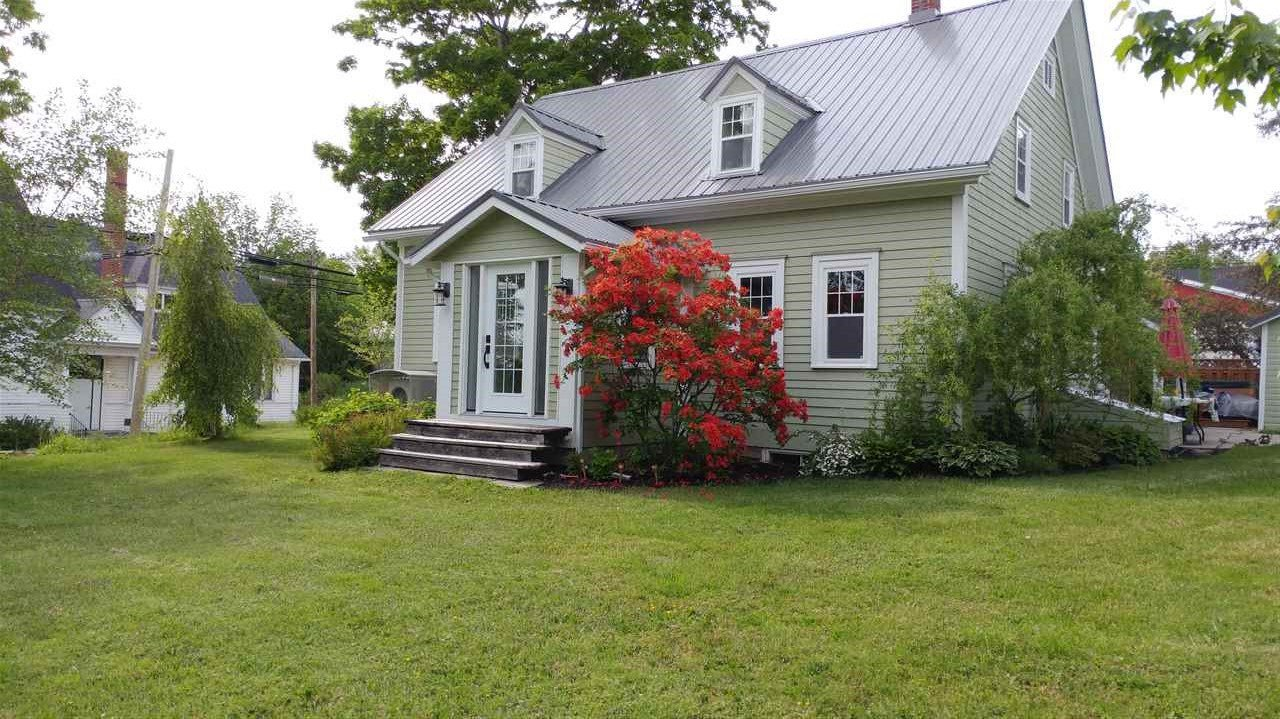 Main Photo: 2222 North Avenue in Canning: 404-Kings County Residential for sale (Annapolis Valley)  : MLS®# 202001909
