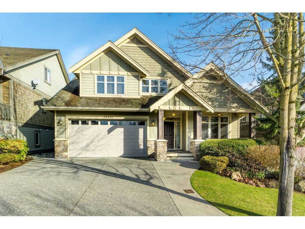 "Main Photo: 35591 KAHANA Place in Abbotsford: Abbotsford East House for sale in ""EAGLE MOUNTAIN"" : MLS®# R2435435"