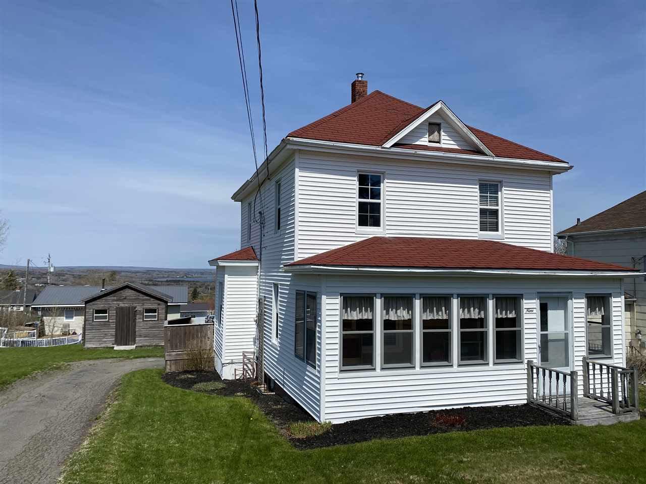 Main Photo: 9 Elm Street in Trenton: 107-Trenton,Westville,Pictou Residential for sale (Northern Region)  : MLS®# 202008229