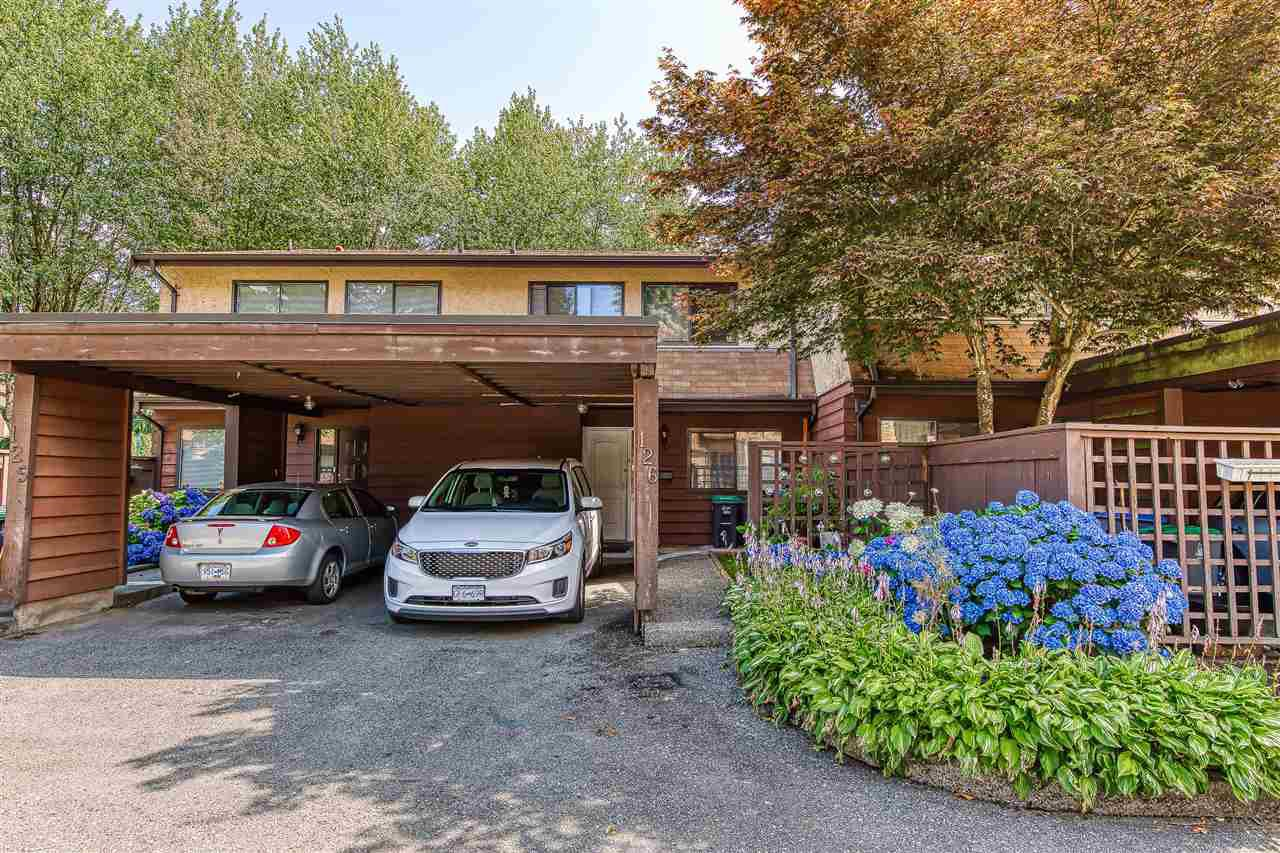 Main Photo: 126 9465 PRINCE CHARLES Boulevard in Surrey: Queen Mary Park Surrey Townhouse for sale : MLS®# R2388958