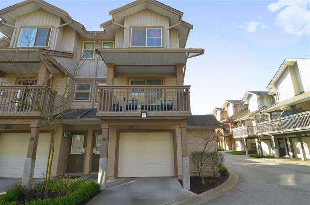 Main Photo: : Townhouse for sale : MLS®# R2244638