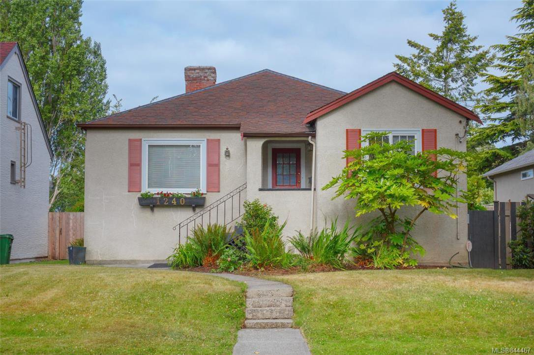 Main Photo: 1240 Monterey Ave in Oak Bay: OB South Oak Bay Single Family Detached for sale : MLS®# 844467