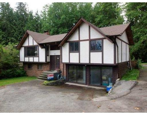 Main Photo: 901 HENDECOURT RD in North Vancouver: Condo for sale : MLS®# V834342