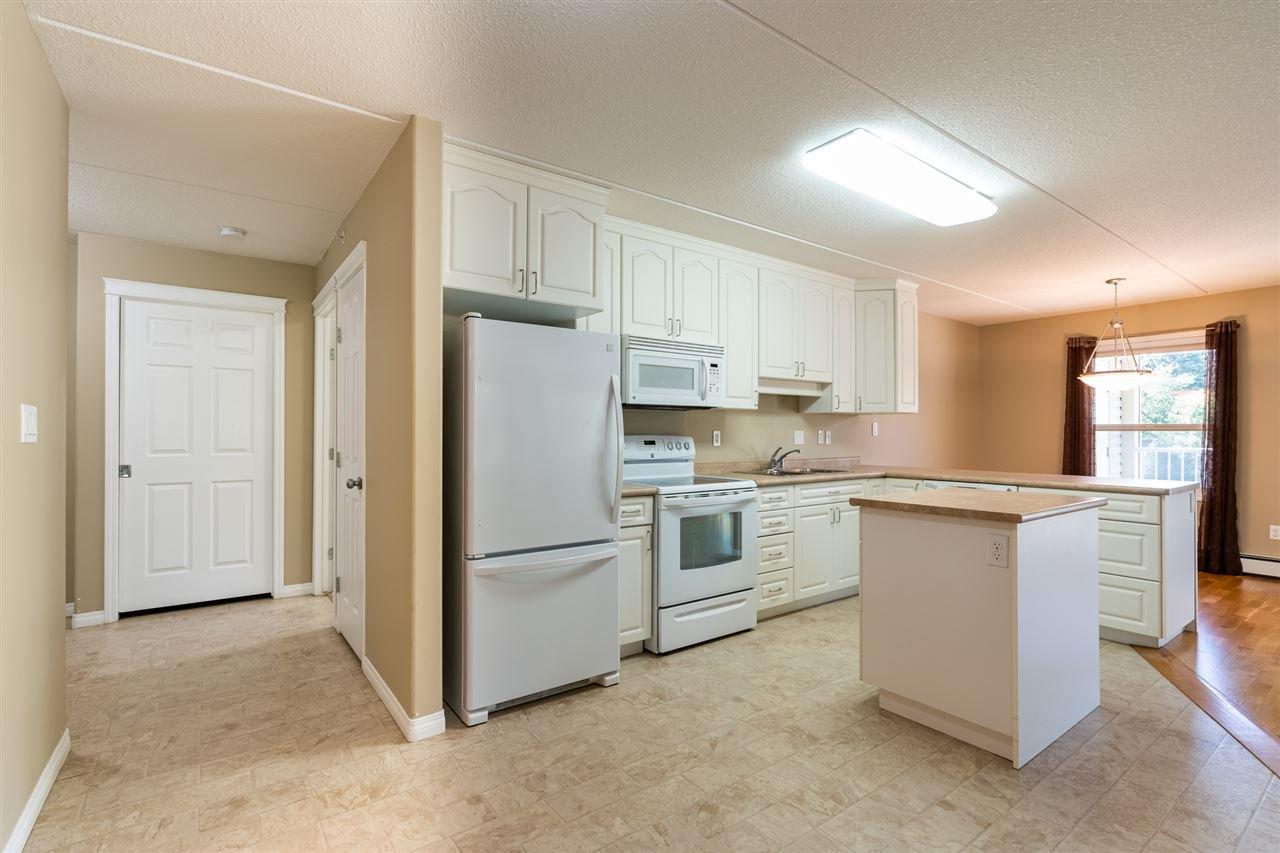 Photo 4: Photos: 208 4707 51 Avenue: Wetaskiwin Condo for sale : MLS®# E4210882