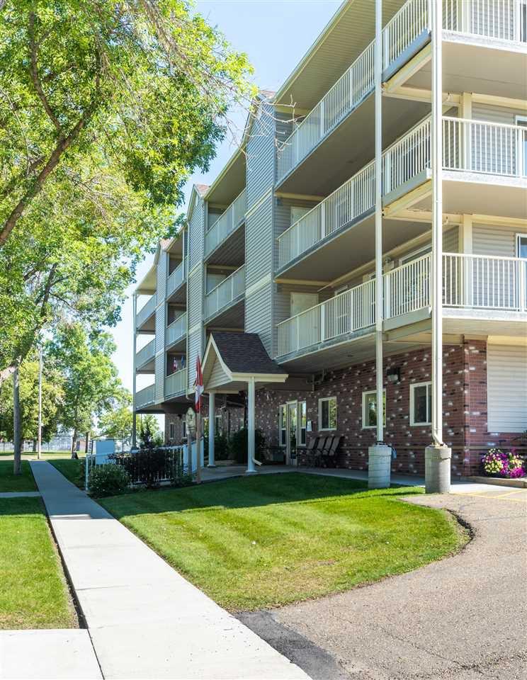 Photo 37: Photos: 208 4707 51 Avenue: Wetaskiwin Condo for sale : MLS®# E4210882