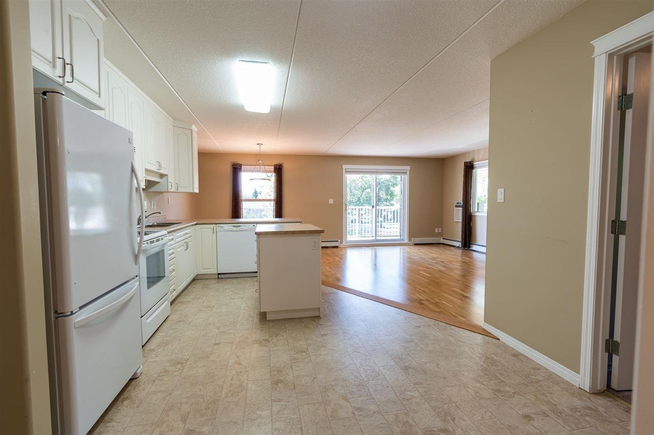 Photo 5: Photos: 208 4707 51 Avenue: Wetaskiwin Condo for sale : MLS®# E4210882