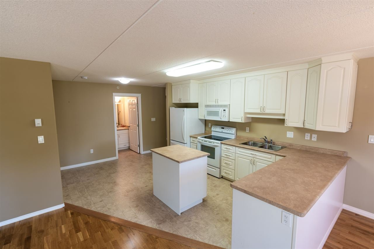 Photo 8: Photos: 208 4707 51 Avenue: Wetaskiwin Condo for sale : MLS®# E4210882