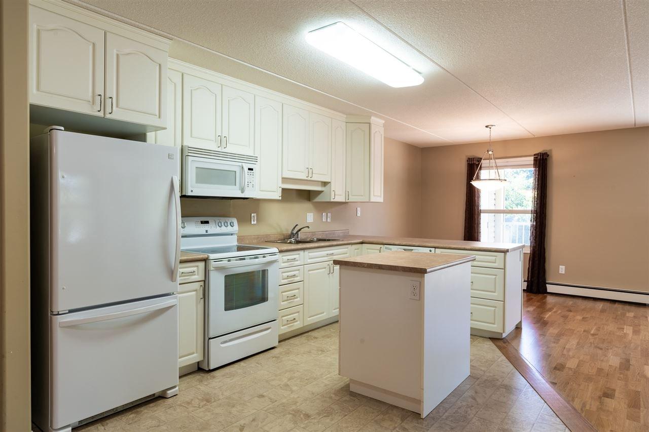 Photo 3: Photos: 208 4707 51 Avenue: Wetaskiwin Condo for sale : MLS®# E4210882