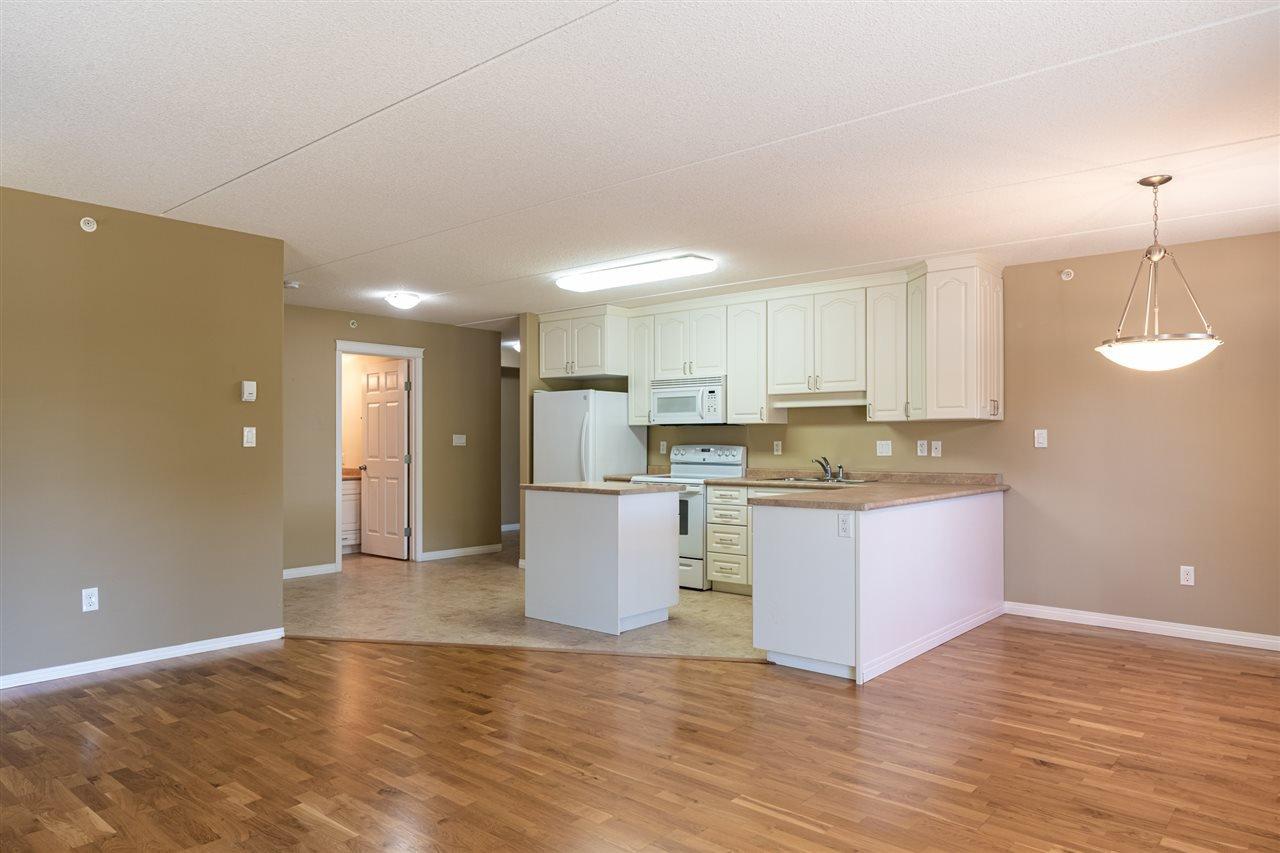 Photo 9: Photos: 208 4707 51 Avenue: Wetaskiwin Condo for sale : MLS®# E4210882