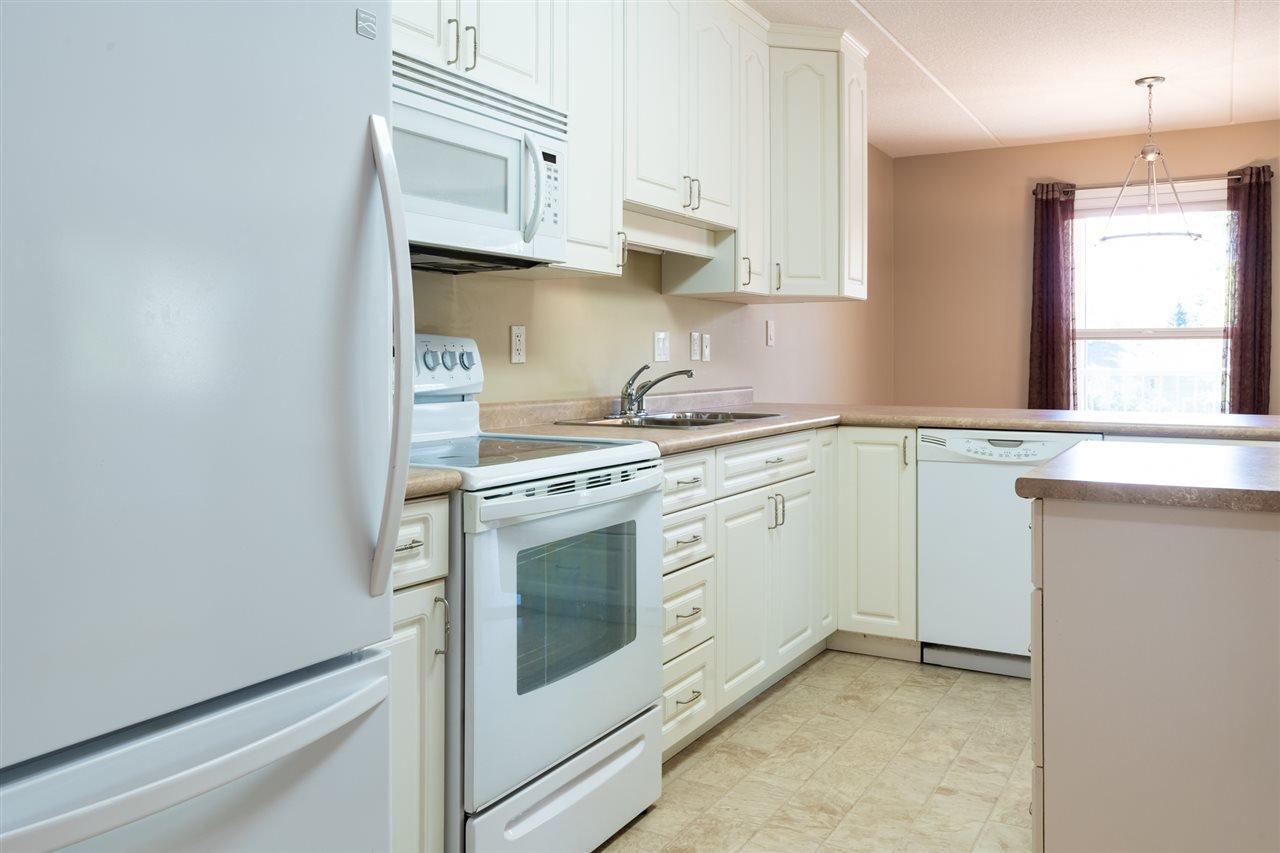 Photo 2: Photos: 208 4707 51 Avenue: Wetaskiwin Condo for sale : MLS®# E4210882
