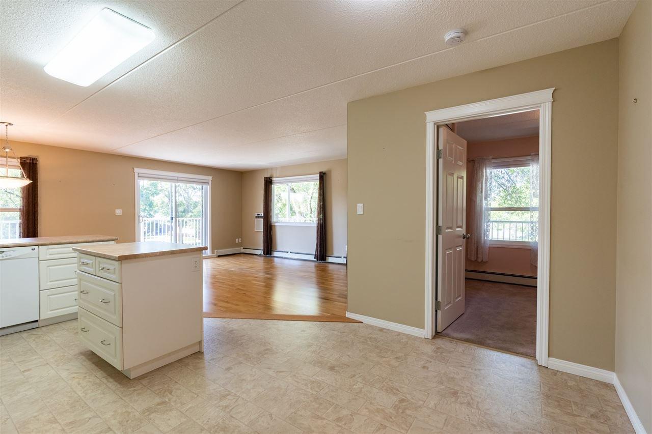 Photo 6: Photos: 208 4707 51 Avenue: Wetaskiwin Condo for sale : MLS®# E4210882