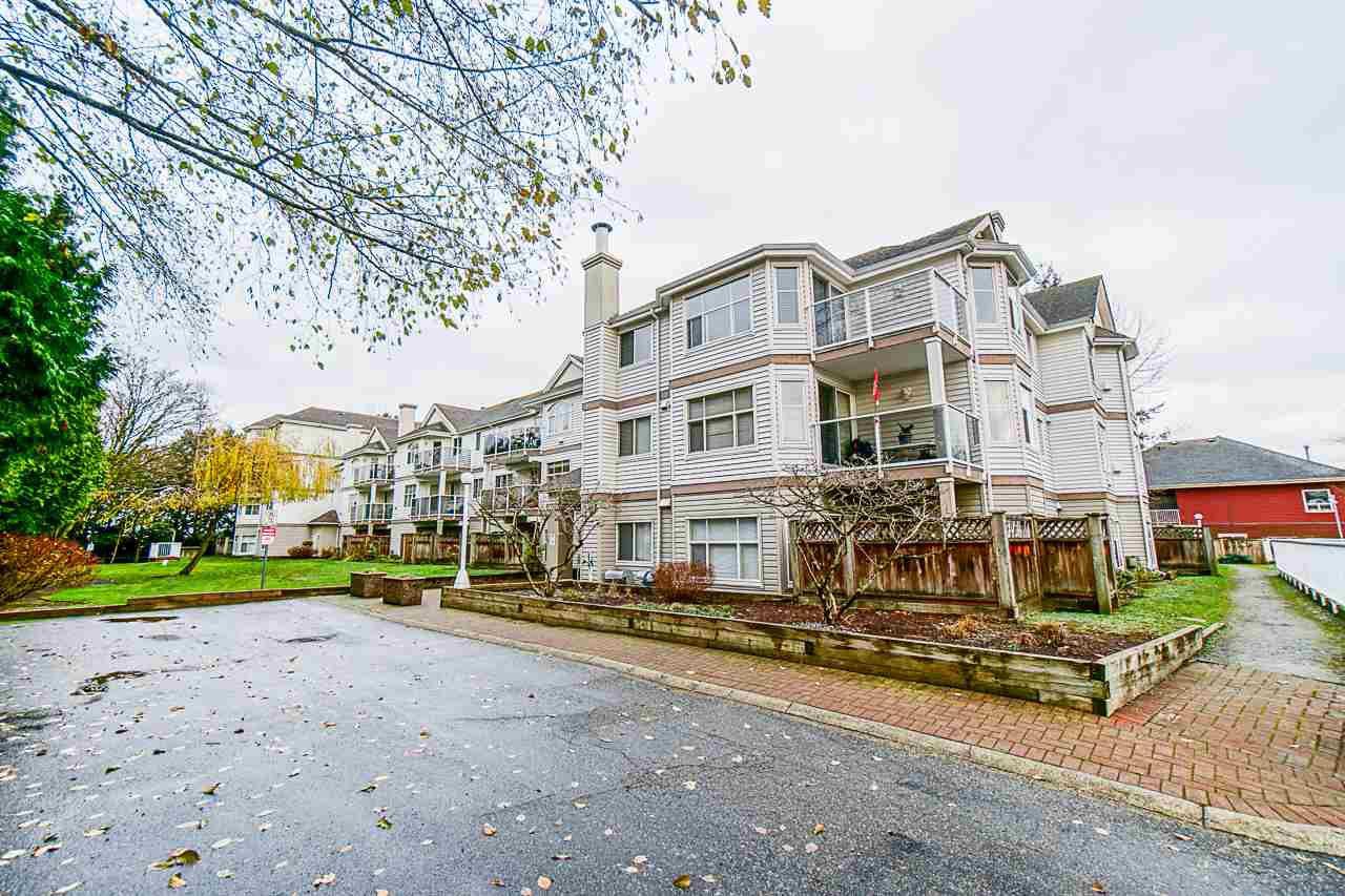 Main Photo: 403 12739 72 Avenue in Surrey: West Newton Condo for sale : MLS®# R2519178