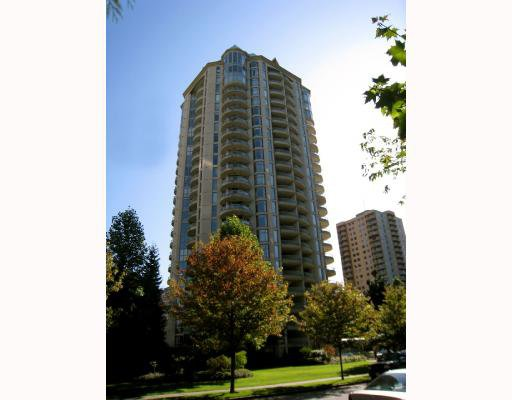 """Main Photo: 106 6188 PATTERSON Avenue in Burnaby: Metrotown Condo for sale in """"WIMBLEDON CLUB"""" (Burnaby South)  : MLS®# V793816"""