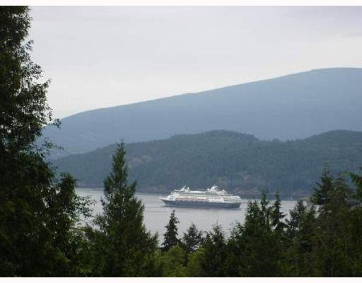 "Main Photo: 931 WINDJAMMER Road: Bowen Island House for sale in ""BLUEWATER"" : MLS®# V637281"