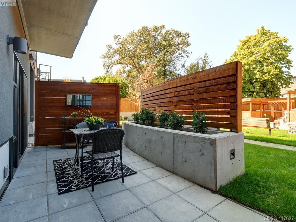 Main Photo: 103 991 McKenzie Avenue in VICTORIA: SE Quadra Condo Apartment for sale (Saanich East)  : MLS®# 417627