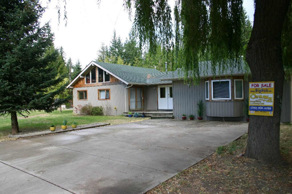 Main Photo: 4174 Ashe Crescent Street in Scotch Creek: Sarratoga House for sale : MLS®# 10026094