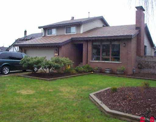 """Main Photo: 8445 SPENSER PL in Surrey: Bear Creek Green Timbers House for sale in """"FLEETWOOD"""" : MLS®# F2602129"""