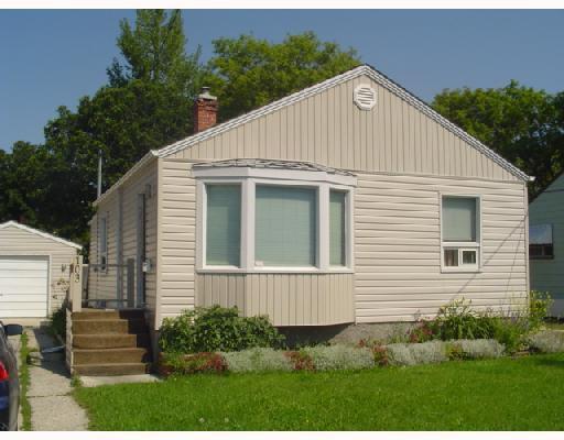 Main Photo: 103 SADLER Avenue in WINNIPEG: St Vital Single Family Detached for sale (South East Winnipeg)  : MLS®# 2712458
