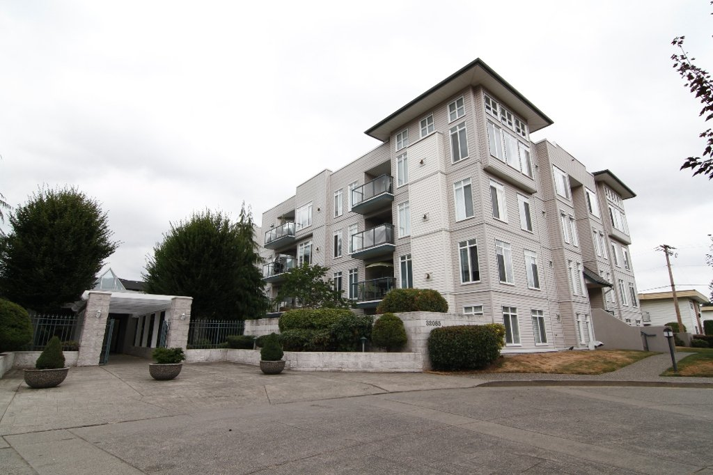 "Main Photo: #218 32085 GEORGE FERGUSON WAY in ABBOTSFORD: Condo for rent in ""ARBOUR COURT"" (Abbotsford)"