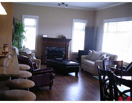 "Main Photo: 412 45753 STEVENSON Road in Sardis: Sardis East Vedder Rd Condo for sale in ""PARK PLACE II"" : MLS®# H2704956"