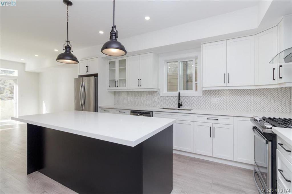 Main Photo: 3512 Myles Mansell Road in VICTORIA: La Walfred Single Family Detached for sale (Langford)  : MLS®# 419174