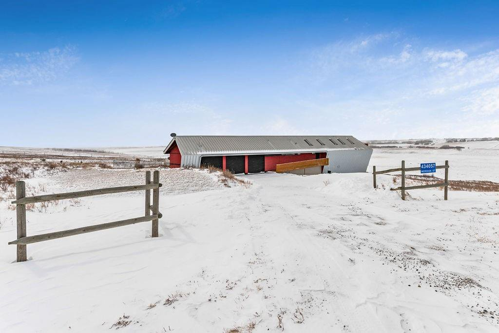 Photo 2: Photos: 434057 Meridian Street: Rural Foothills County Detached for sale : MLS®# C4256226