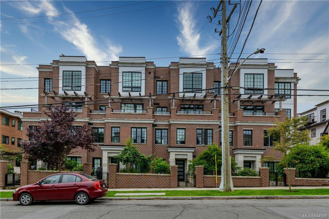 Main Photo: 309 1011 Burdett Ave in Victoria: Vi Downtown Condo for sale : MLS®# 844508