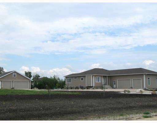 Main Photo: 91 Ryan Road in Winnipeg: Residential for sale : MLS®# 2911054